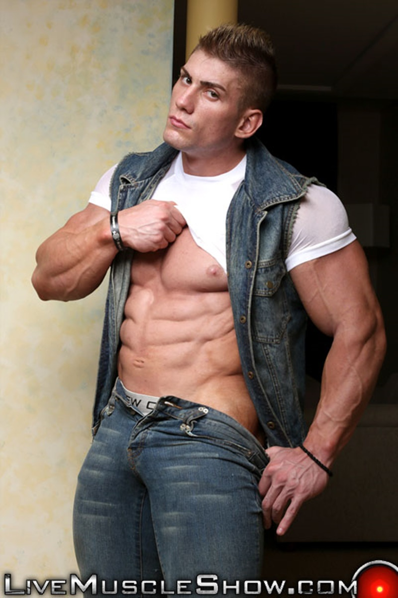 LiveMuscleShow-huge-naked-muscle-bodybuilder-nude-Sven-Gronstrom-massive-biceps-bigh-pecs-muscled-hunk-jerking-huge-dick-massive-006-gay-porn-sex-gallery-pics-video-photo