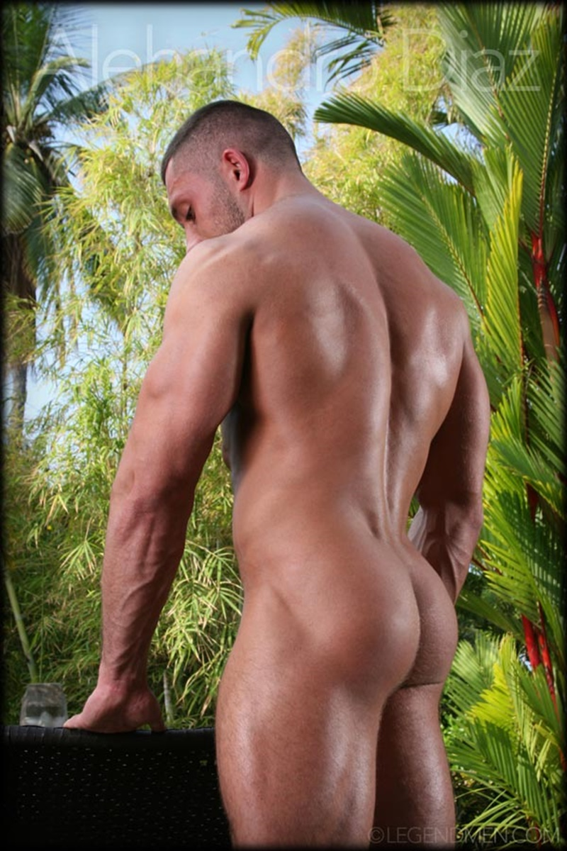 Hot Naked Big Muscle Dude Alehandro Diaz Strips And Shows -6022