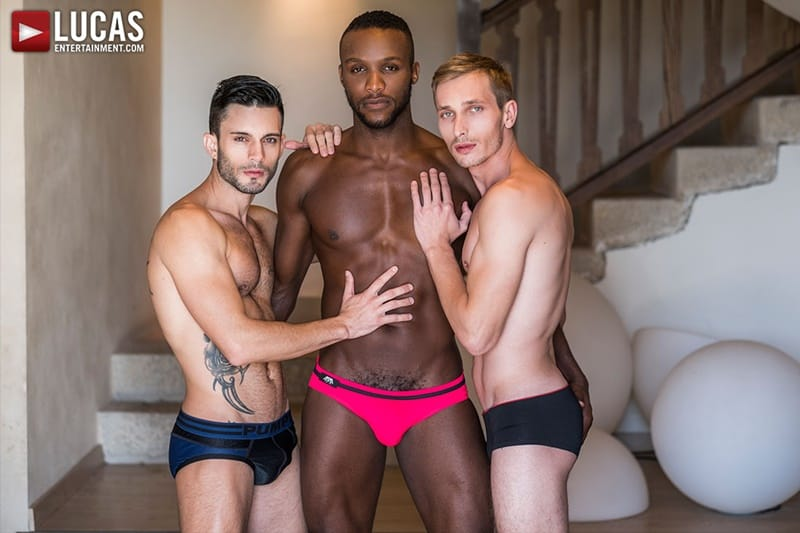 Hardcore bareback threesome Andy Star, Christian Haynes and Andre Donovan