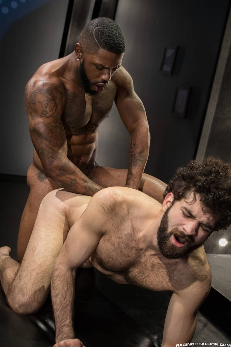 Giovanni Valentino Slips His Big Cock Inside The Hairy -8278