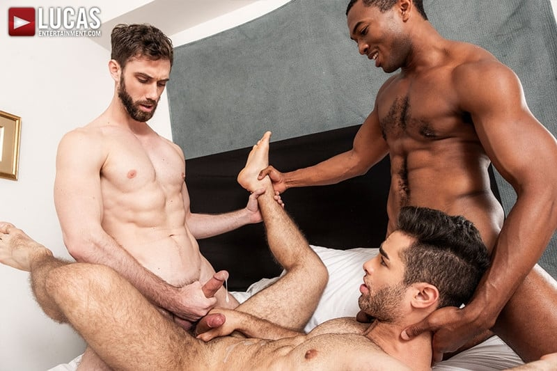 Men for Men Blog JASON-COX-LUCAS-LEON-SEAN-XAVIER-MONSTER-BLACK-DICK-big-muscle-threesome-LucasEntertainment-025-gay-porn-pictures-gallery Hot muscle dudes Jason Cox and Lucas Leon double fucked by Sean Xavier Lucas Entertainment