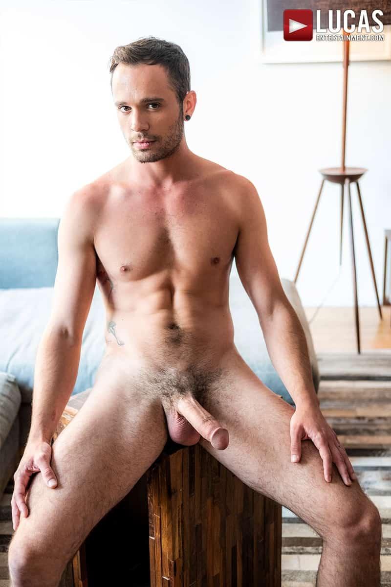Muscle-Daddy-Tomas-Brand-bareback-fucks-Drake-Rogers-hot-bubble-butt-Ass-LucasEntertainment-004-Gay-Porn-Pics