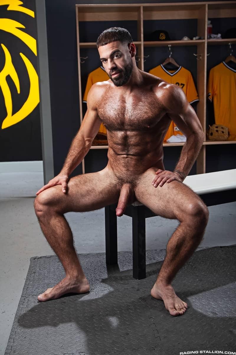 Big-muscle-studs-Wade-Wolfgar-stretches-Sharok-butt-hole-Ricky-Larkin-fucks-face-RagingStallion-004-Gay-Porn-Pics