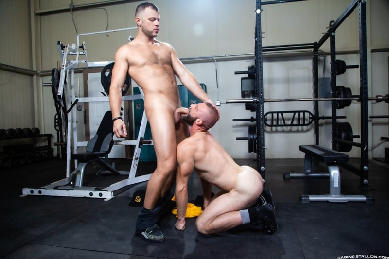Wade-Wolfgar-Donnie-Argento-ass-cheeks-rimming-eats-his-hole-RagingStallion-013-Gay-Porn-Pics