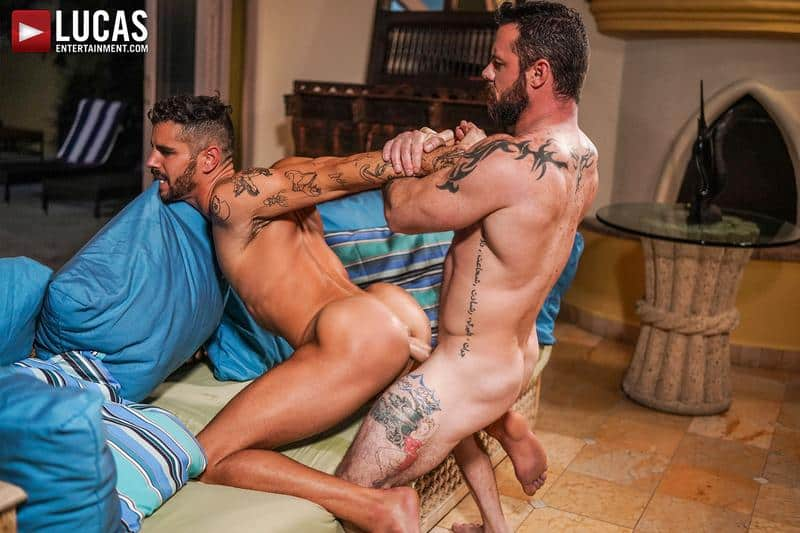 Muscled older stud Sergeant Miles's huge raw dick dominates ripped younger dude Valentin Amour' hot hole