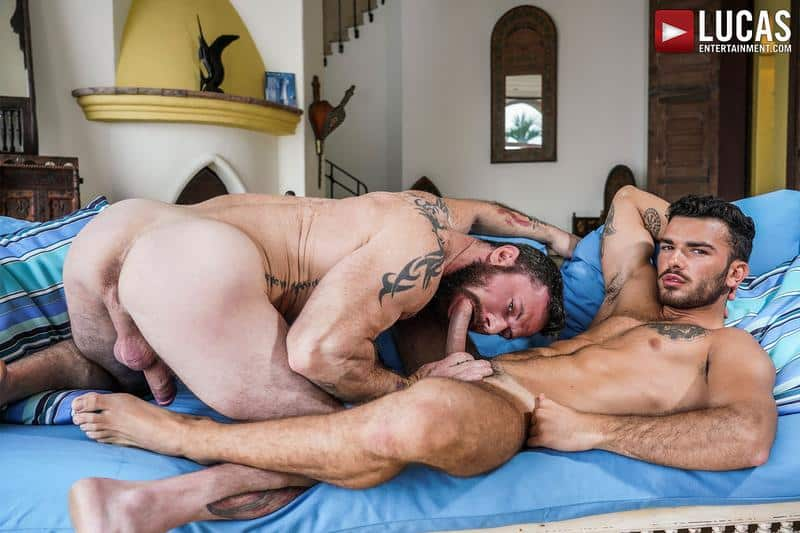 Hot daddy Sergeant Miles's bare fucks younger hottie Pol Prince's bubble ass