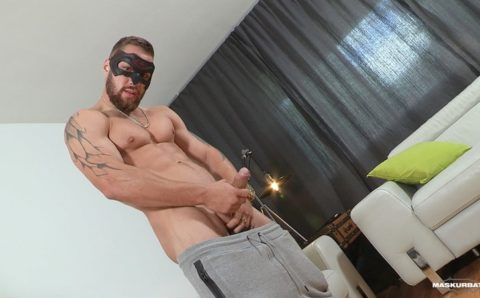 My Mom's new boyfriend offered to show me his big uncut cock